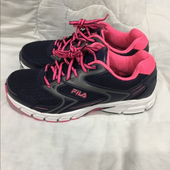 FILA Women running shoes